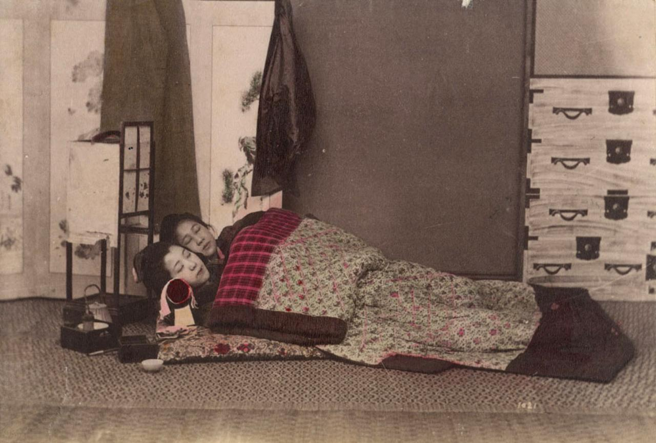 Camera Da Letto Giapponese kusakabe kimbei, interno di una camera da letto giapponese